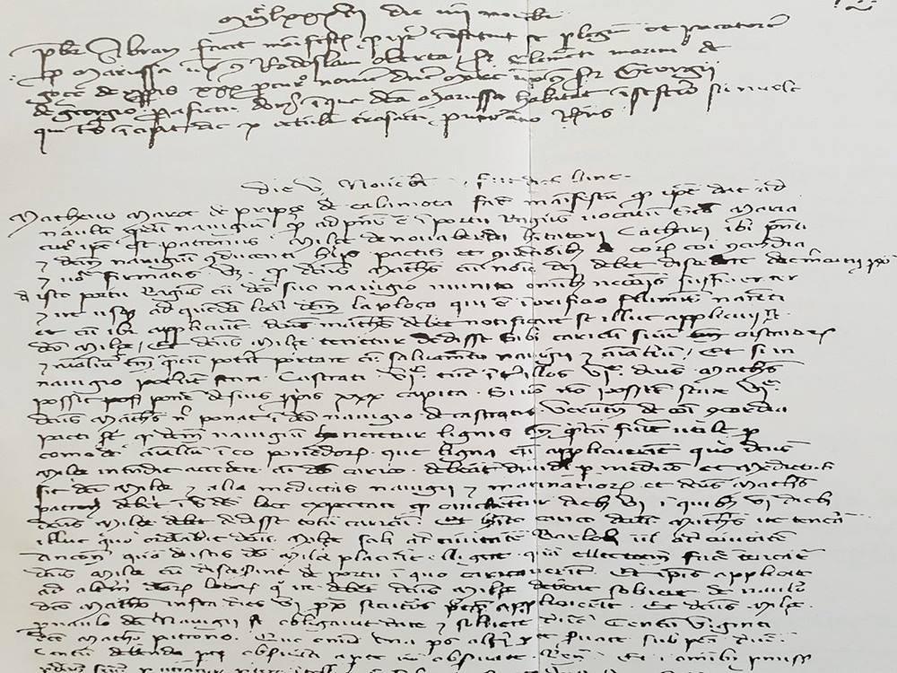 Prvi pisani povijesni dokument iz 1387. godine u kojem se spominje pristanište (luka) Ploče.